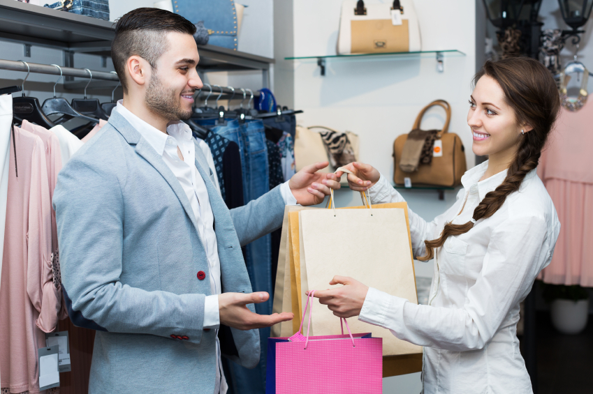 Relationship marketing between customer and retail assistant is important